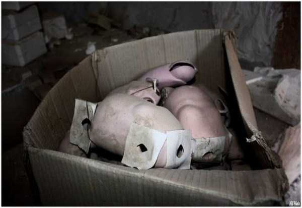 creepy-abandoned-doll-factory-6