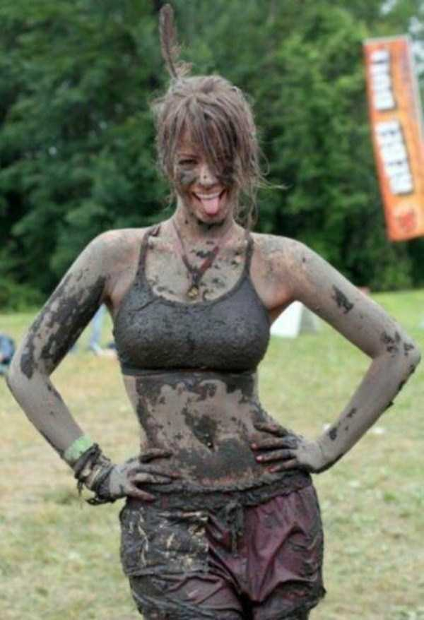 girls-covered-in-dirt-12