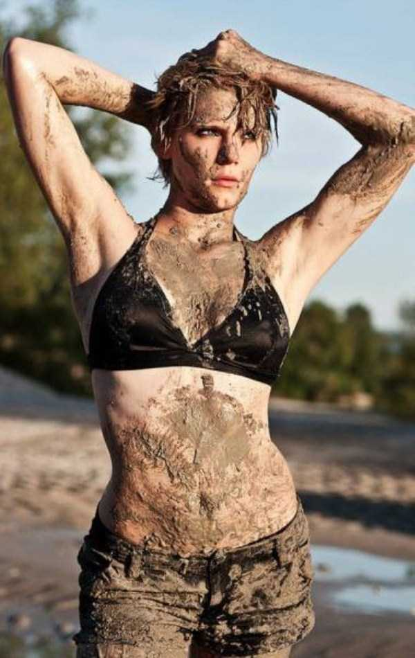 girls-covered-in-dirt-20