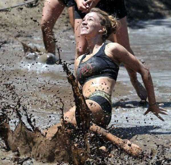 girls-covered-in-dirt-46