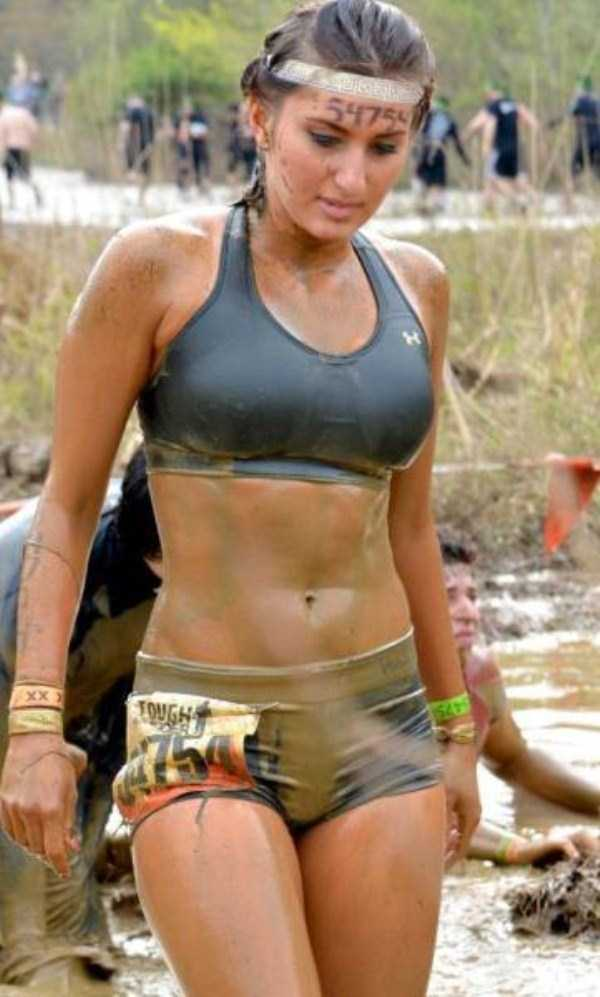 girls-covered-in-dirt-49