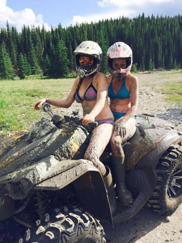 girls-covered-in-dirt-67