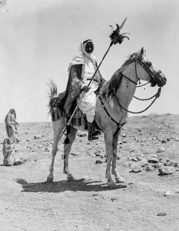 middle-east-bodouins-vintage-photos-29