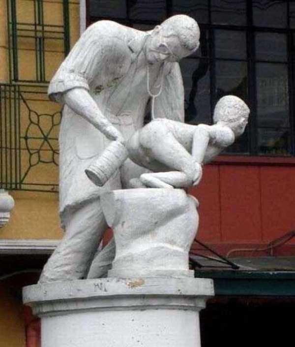 ridiculous-idiotic-sculptures (19)