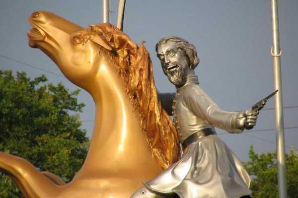 ridiculous-idiotic-sculptures (6)