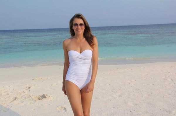elizabeth-hurley-sexy-pics-5