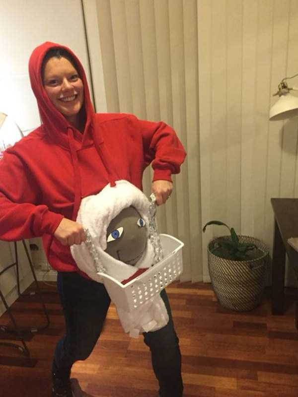 halloween-costumes-for-pregnant-women-1