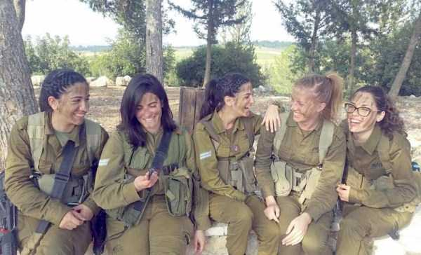 hot-girls-israeli-army-23