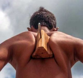 Indian Boy With Incredibly Strong Shoulder Blades (7 photos)