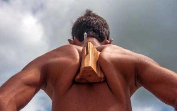 indian-boy-has-strongest-shoulder-blades-2