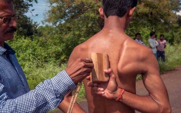 indian-boy-has-strongest-shoulder-blades-3