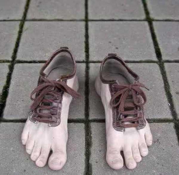 bizarre-women-shoes-29