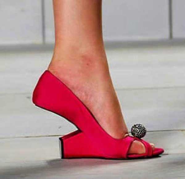 bizarre-women-shoes-30