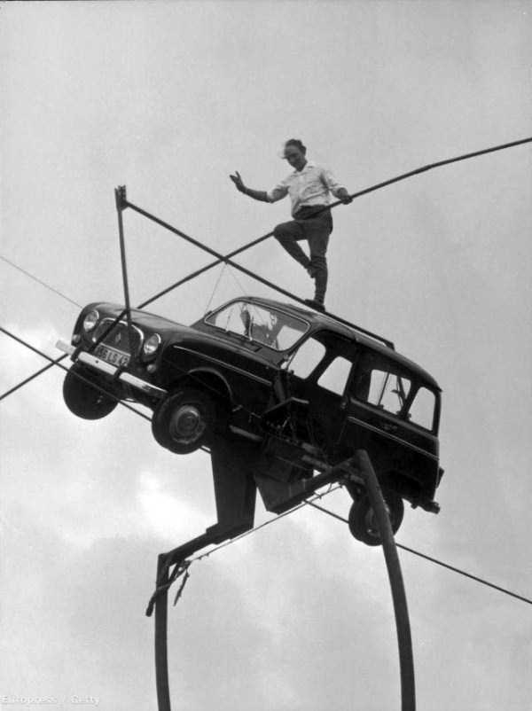 crazy-stunts-from-the-past-16