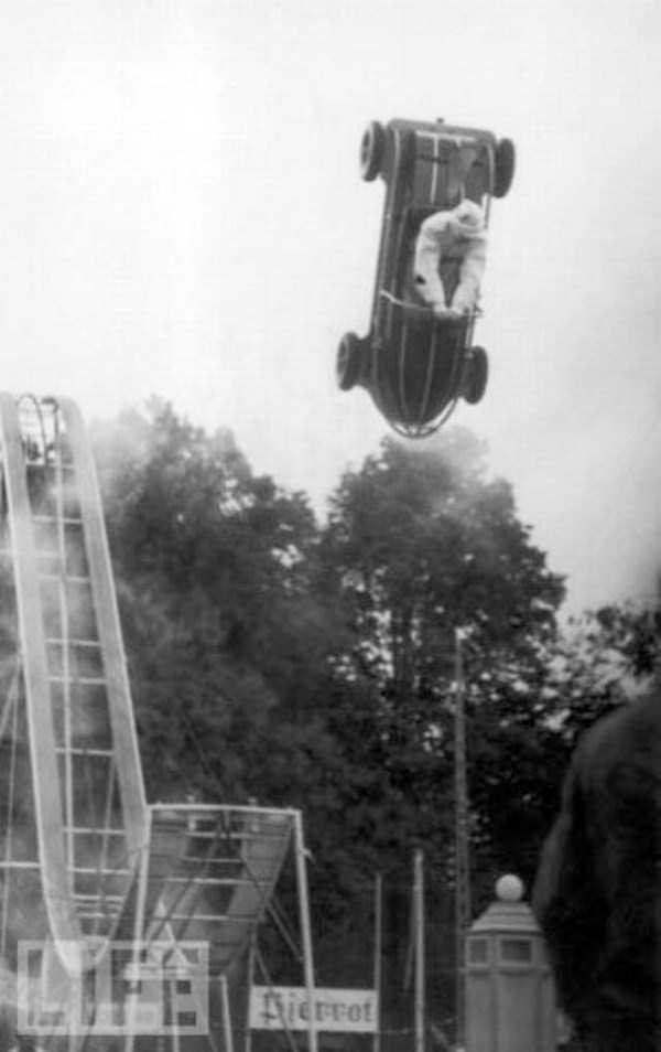 crazy-stunts-from-the-past-23
