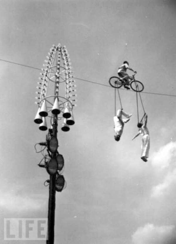 crazy-stunts-from-the-past-24