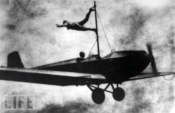 crazy-stunts-from-the-past-25