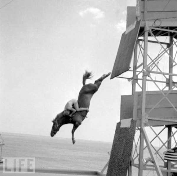 crazy-stunts-from-the-past-29