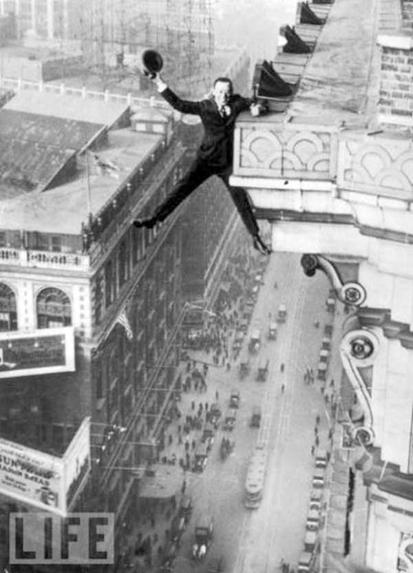 crazy-stunts-from-the-past-37
