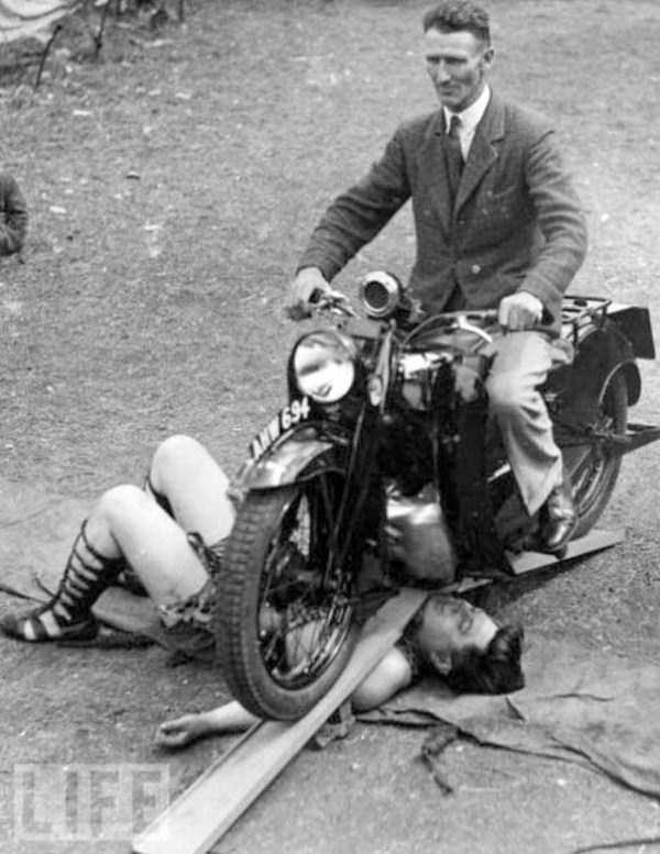 crazy-stunts-from-the-past-6