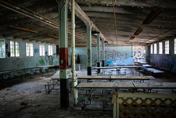 pics-of-abandoned-prisons-12