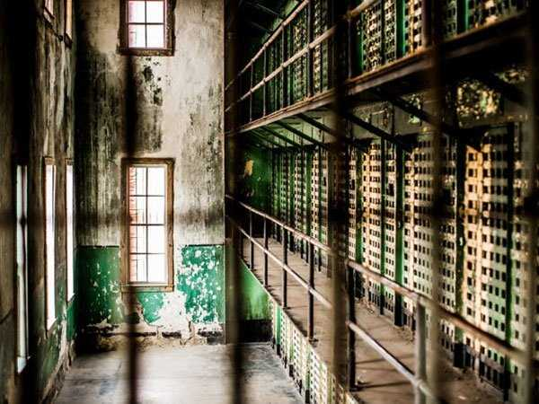 pics-of-abandoned-prisons-16