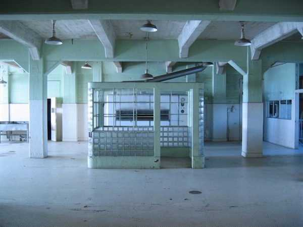pics-of-abandoned-prisons-2