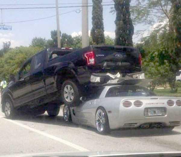 bizarre-car-accidents-1