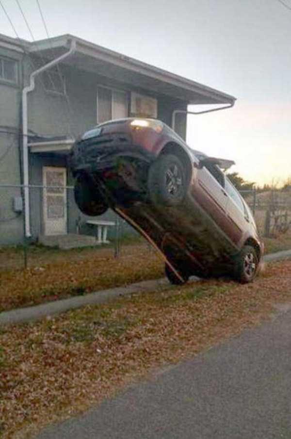 bizarre-car-accidents-13