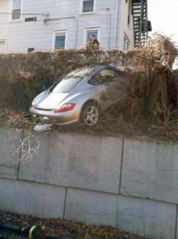 bizarre-car-accidents-23