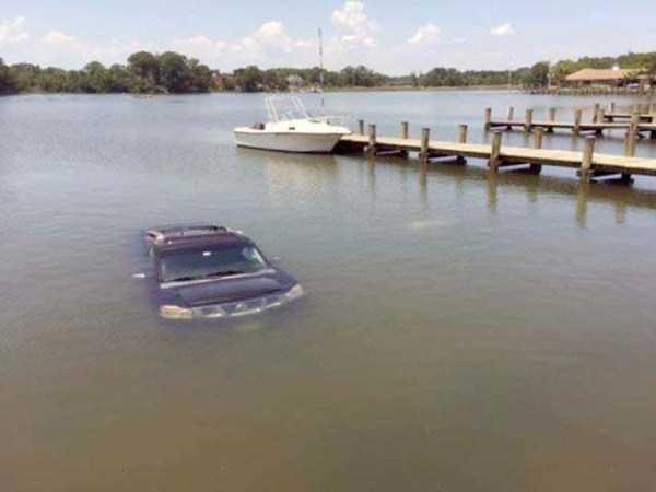 bizarre-car-accidents-30