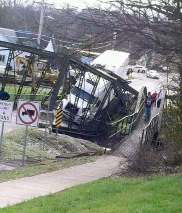 bizarre-car-accidents-31