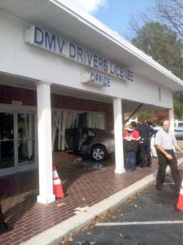 bizarre-car-accidents-33