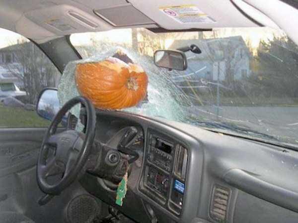 bizarre-car-accidents-38
