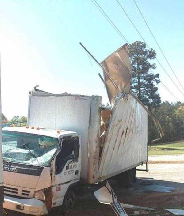 bizarre-car-accidents-5