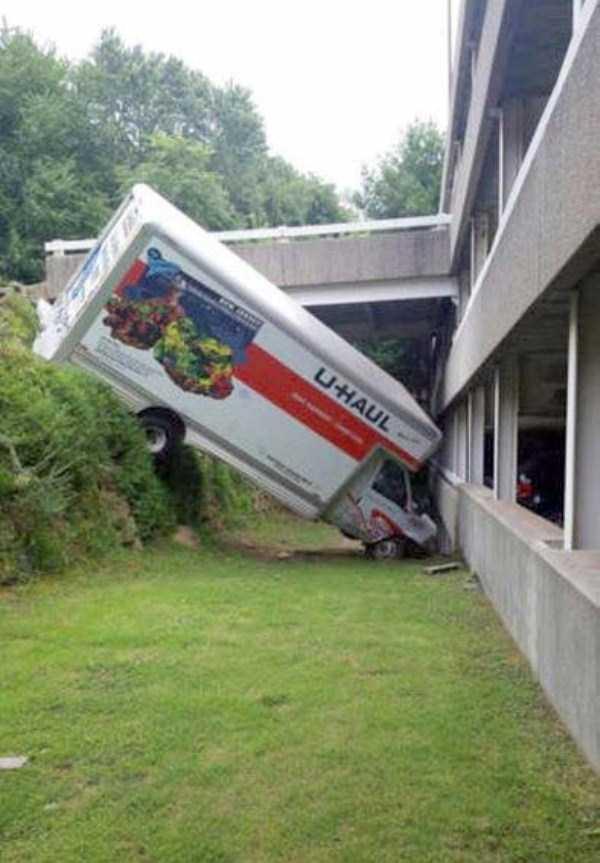 bizarre-car-accidents-8