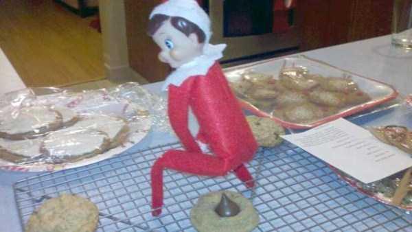 naughty-elf-on-the-shelf-37