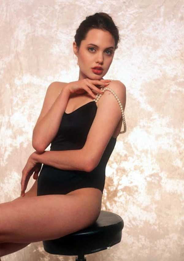 Jolie Angelina She Was Photos BeautifulKlyker When Young And Of com rxBCotshQd