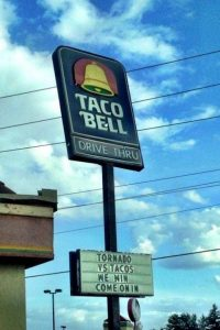 clever-taco-bell-signs (7)