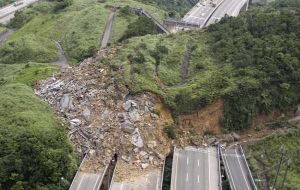 landslides (13)