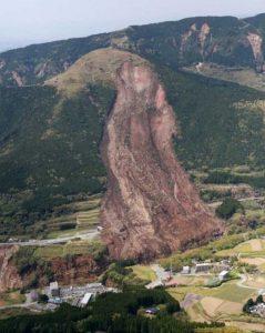 landslides (23)