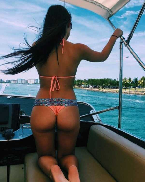 hot-girls-on-boat-big-booty-big-pussy