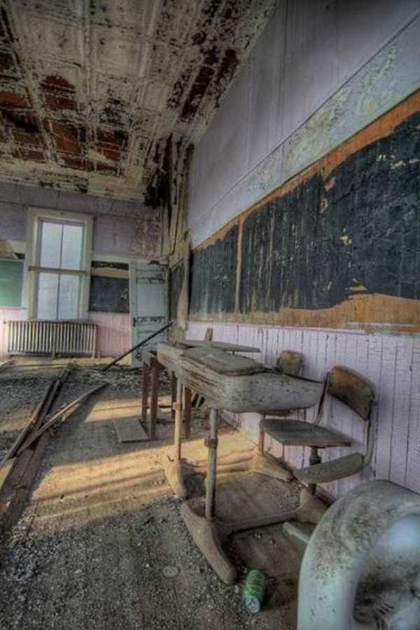 abandoned-places-pics (6)