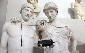 fun-with-statues (10)