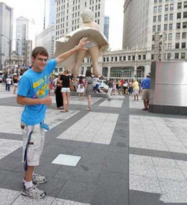 fun-with-statues (11)