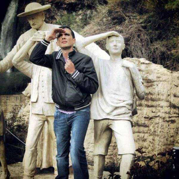 fun-with-statues (24)