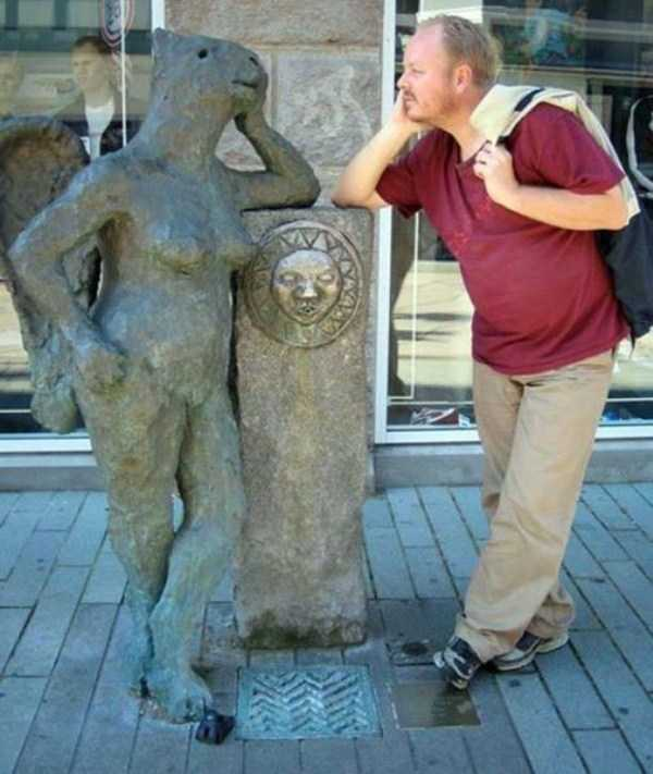 fun-with-statues (33)