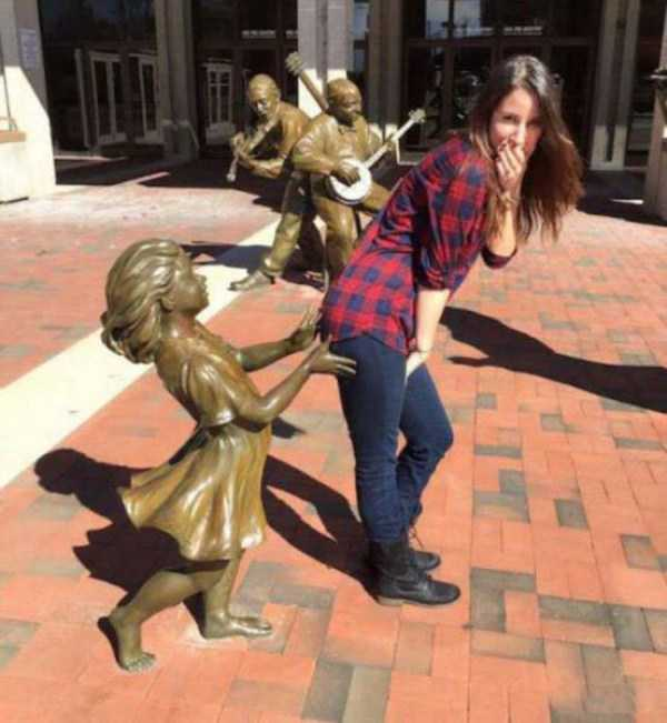 fun-with-statues (38)
