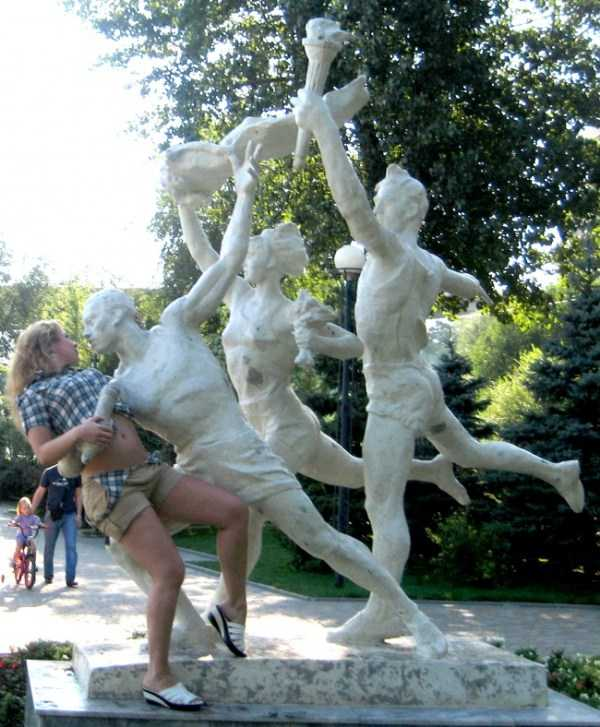 fun-with-statues (47)