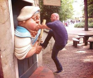 fun-with-statues (48)